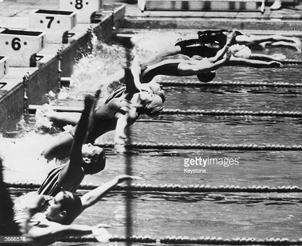 Start of the Women's 100 metres backstroke with winner Cathy Ferguson in lane 5 and Christine Caron in lane 4 who came second