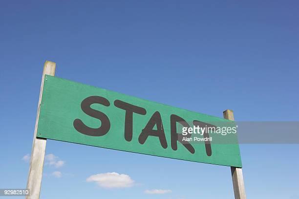 Start post