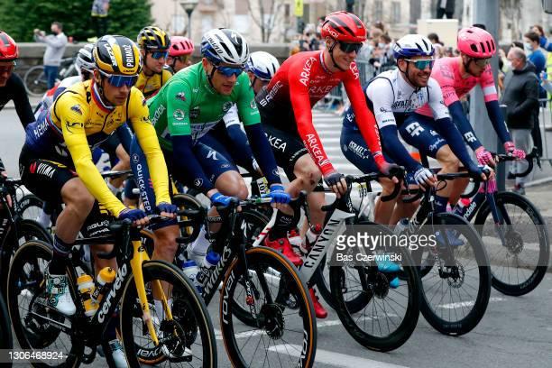Start / Primoz Roglic of Slovenia and Team Jumbo - Visma Yellow Leader Jersey, Sam Bennett of Ireland and Team Deceuninck - Quick-Step Green sprint...