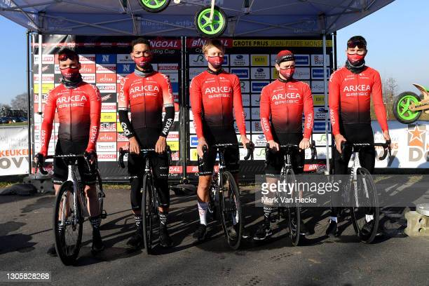 Start / Thomas Boudat of France, Amaury Capiot of Belgium, Romain Hardy of France, Donovan Grondin of France, Markus Pajur of Estonia, Christophe...
