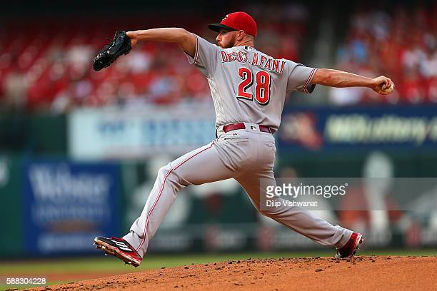 Starter Anthony DeSclafani of the Cincinnati Reds pitches against the St Louis Cardinals in the first inning at Busch Stadium on August 10 2016 in St...