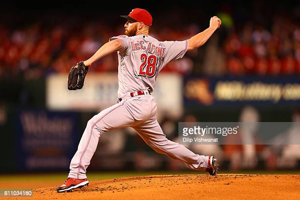 Starter Anthony DeSclafani of the Cincinnati Reds pitches against the St Louis Cardinals in the first inningat Busch Stadium on September 28 2016 in...