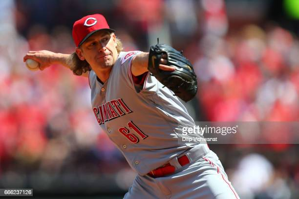 Starter Bronson Arroyo of the Cincinnati Reds pitches against the St Louis Cardinals in the second inning at Busch Stadium on April 8 2017 in St...