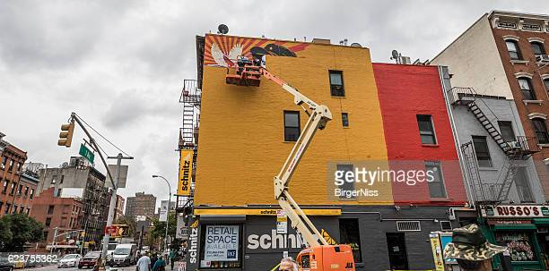 Starting a wall painting, Manhattan, New York City, United States