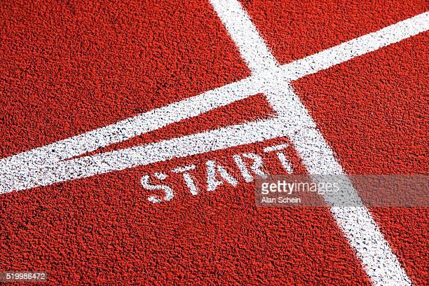 starting line on running track - början bildbanksfoton och bilder