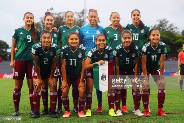 Starting lineup of Mexico before the FIFA U17 Women's World Cup Uruguay 2018 semifinal match between Mexico and Canada at Estadio Charrua on November...