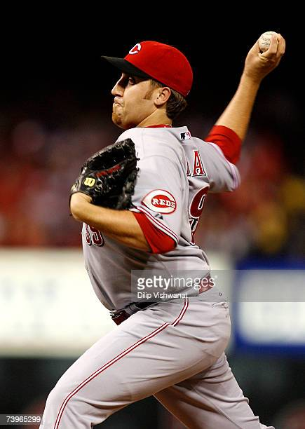 Starting pitcher Aaron Harang of the Cincinnati Reds throws against the St. Louis Cardinals on April 24, 2007 at Busch Stadium in St. Louis, Missouri.