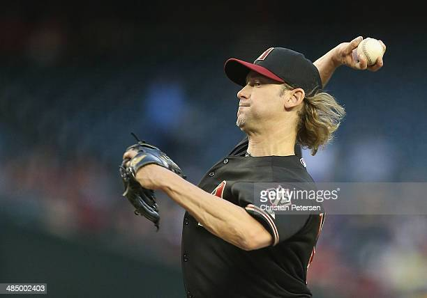 Starting pitcher Bronson Arroyo of the Arizona Diamondbacks pitches against the New York Mets during the MLB game at Chase Field on April 15 2014 in...