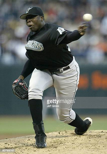 Starting pitcher Dontrelle Willis of the Florida Marlins throws a pitch in the first inning against the San Francisco Giants during their game on...