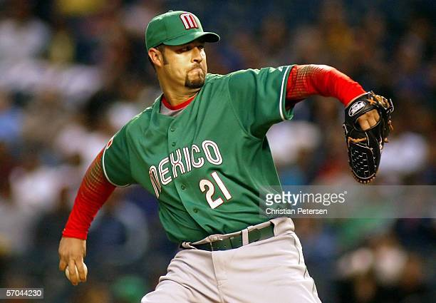 Starting pitcher Esteban Loaiza of Team Mexico pitches against Team Canada during the Round 1 Pool B Game of the World Baseball Classic at Chase...