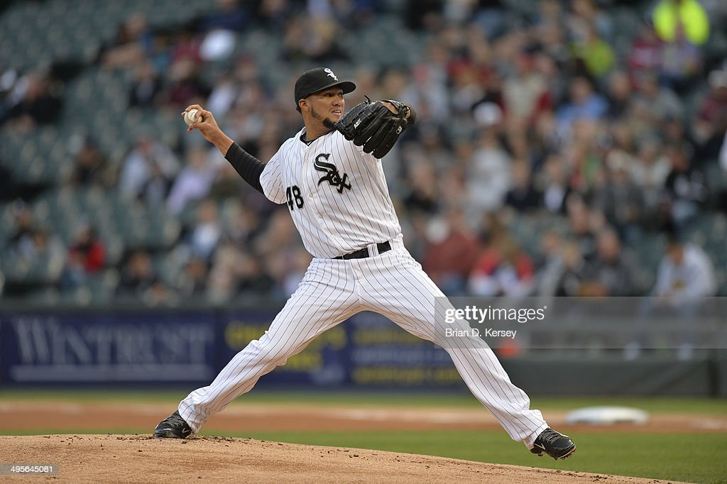 Starting pitcher Hector Noesi #48 of the Chicago White Sox delivers a pitch during the first inning against the Cleveland Indians at U.S. Cellular Field on May 28, 2014 in Chicago, Illinois. The White Sox defeated the Indians 3-2.