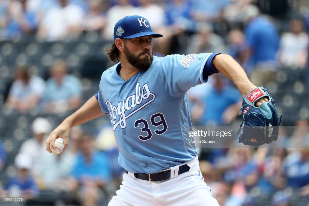 Starting pitcher Jason Hammel #39 of the Kansas City Royals pitches during the 1st inning of the game against the Tampa Bay Rays at Kauffman Stadium on May 16, 2018 in Kansas City, Missouri.