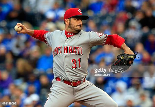 Starting pitcher Jason Marquis of the Cincinnati Reds pitches during the 1st inning of the game against the Kansas City Royals at Kauffman Stadium on...