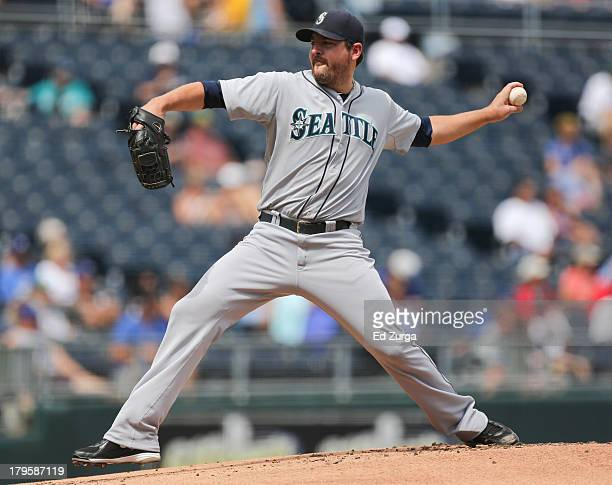 Starting pitcher Joe Saunders of the Seattle Mariners throws in the first inning against the Kansas City Royals at Kauffman Stadium on September 5...