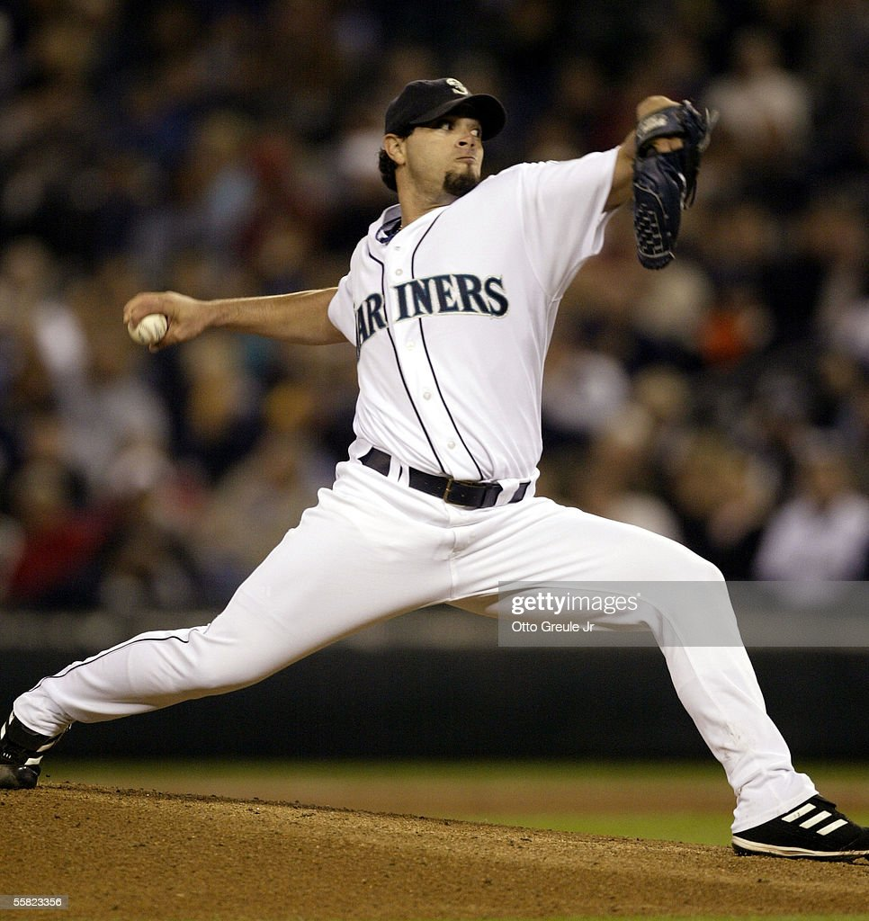 Starting Pitcher Joel Pineiro #38 of the Seattle Mariners throws against the Texas Rangers on September 28, 2005 at Safeco Field in Seattle, Washington.