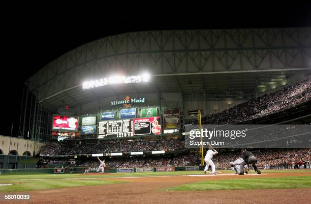 Starting pitcher Jon Garland of the Chicago White Sox throws a pitch against the Houston Astros during Game Three of the 2005 Major League Baseball...