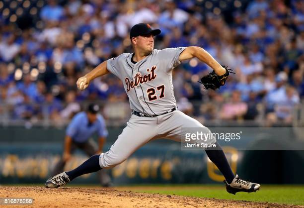 Starting pitcher Jordan Zimmermann of the Detroit Tigers pitches during the 4th inning of the game against the Kansas City Royals at Kauffman Stadium...