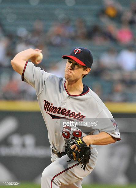 Starting pitcher Kevin Slowey of the Minnesota Twins delivers during the first inning against the Chicago White Sox at US Cellular Field on August 29...