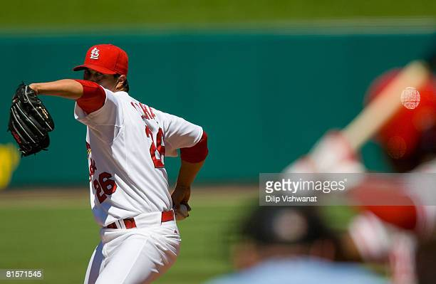 Starting pitcher Kyle Lohse of the St. Louis Cardinals throws against the Philliadelphia Phillies on June 14, 2008 at Busch Stadium in St. Louis,...