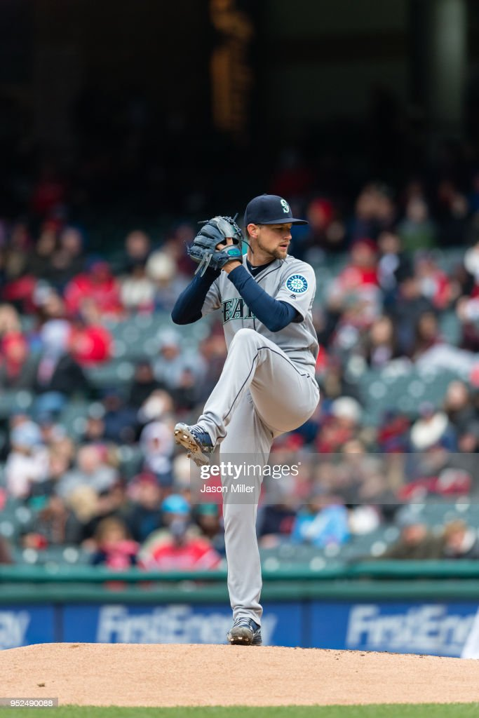 Starting pitcher Mike Leake #8 of the Seattle Mariners pitches during the first inning against the Cleveland Indians at Progressive Field on April 28, 2018 in Cleveland, Ohio.