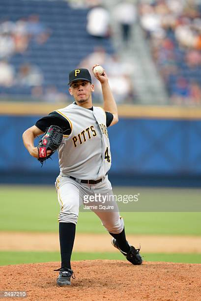 Starting pitcher Oliver Perez of the Pittsburgh Pirates throws against the Atlanta Braves in the first game of a double-header on September 5, 2003...