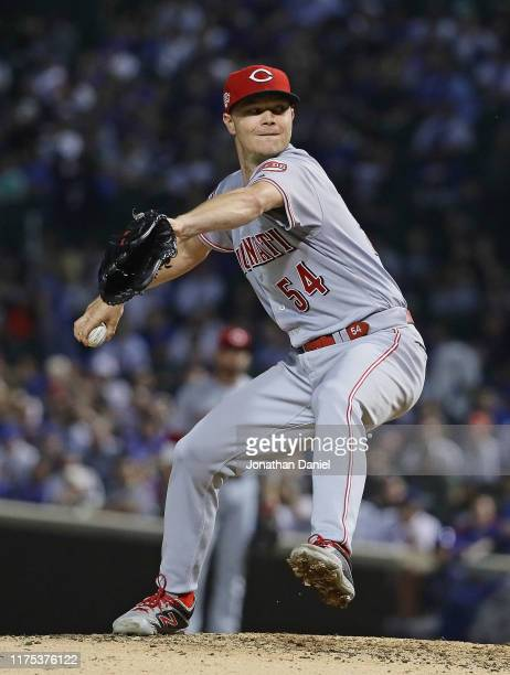 Starting pitcher Sonny Gray of the Cincinnati Reds delivers the ball against the Chicago Cubs at Wrigley Field on September 17, 2019 in Chicago,...