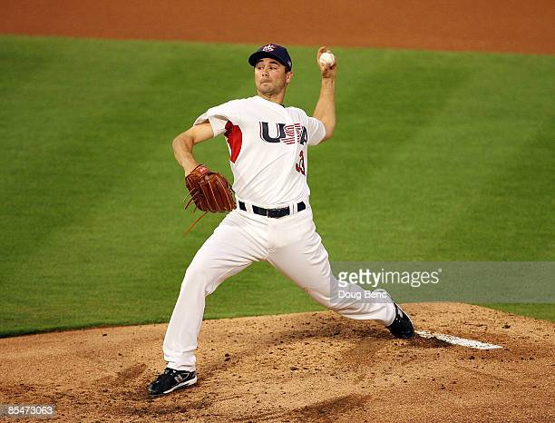 Starting pitcher Ted Lilly of United States pitches against Puerto Rico during day 4 of round 2 of the World Baseball Classic at Dolphin Stadium on...