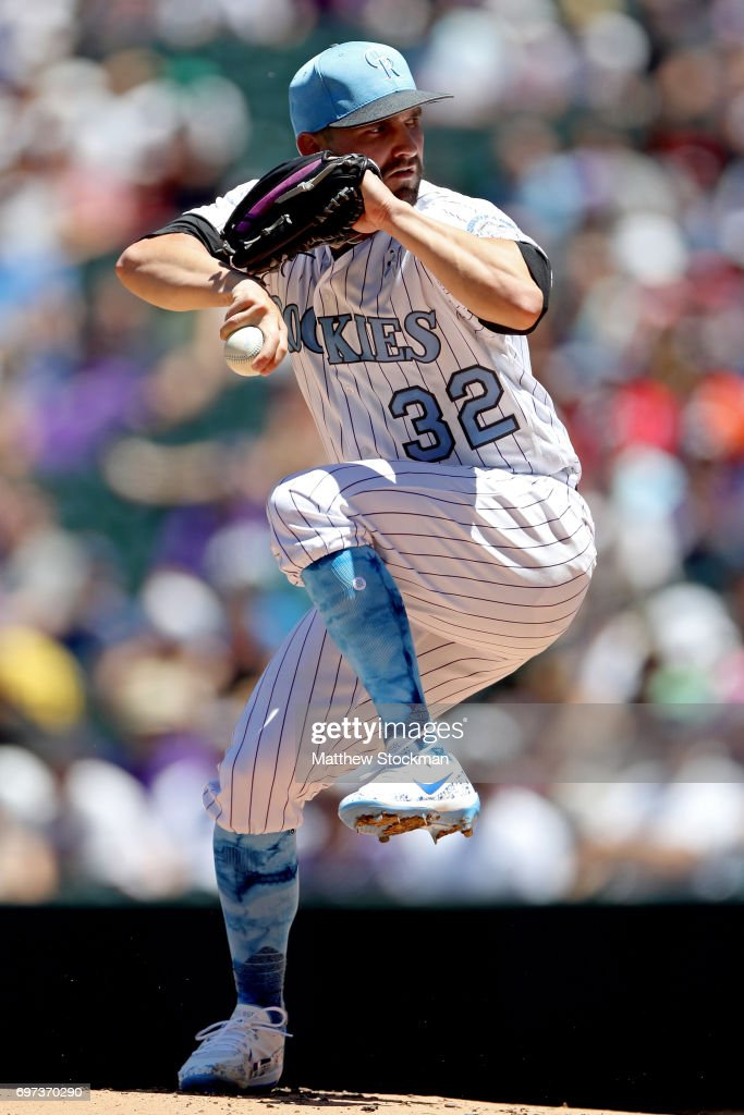 Starting pitcher Tyler Chatwood #32 of the Colorado Rockies throws in the first inning against the San Francisco Giants at Coors Field on June 18, 2017 in Denver, Colorado.