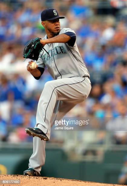 Starting pitcher Yovani Gallardo of the Seattle Mariners pitches during the 1st inning of the game against the Kansas City Royals at Kauffman Stadium...