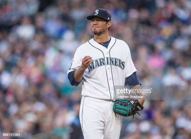 Starting pitcher Yovani Gallardo of the Seattle Mariners reacts after giving up a solo home run by Avisail Garcia of the Chicago White Sox during the...