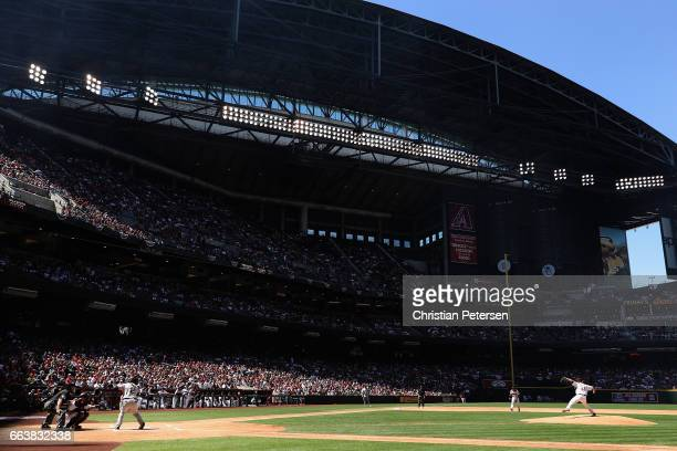 Starting pitcher Zack Greinke of the Arizona Diamondbacks pitches against Denard Span of the San Francisco Giants during the first inning of the MLB...