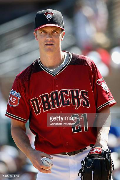Starting pitcher Zack Greinke of the Arizona Diamondbacks prepares to pitch during the second inning of the spring training game against the Oakland...