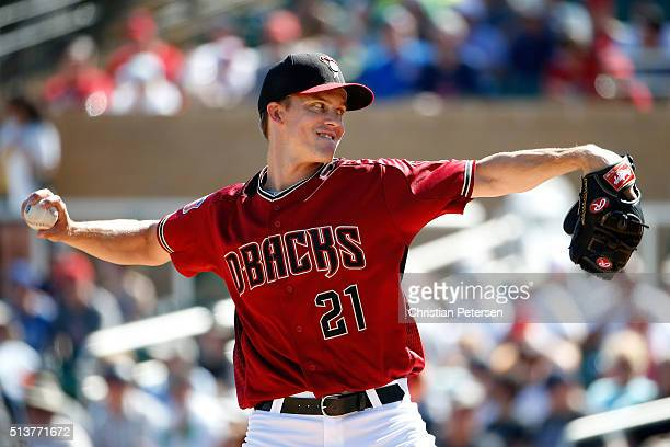 Starting pitcher Zack Greinke of the Arizona Diamondbacks throws a pitch during the second inning of the spring training game against the Oakland...