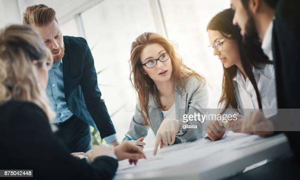 startup meeting. - cambiamento foto e immagini stock