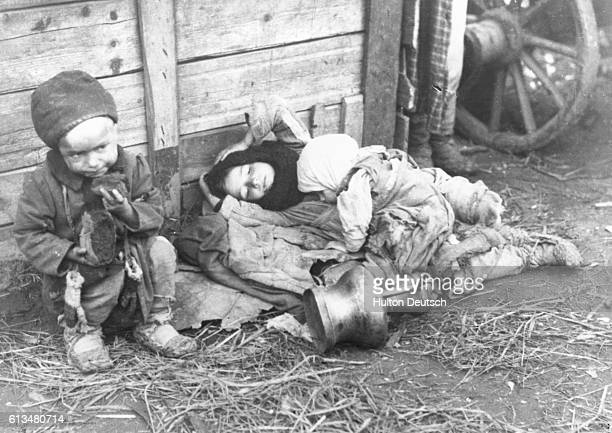 Starving children during a famine, Russia, 1922.