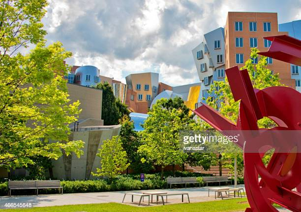 stata center on mit campus in cambridge, massachustets - cambridge massachusetts stock pictures, royalty-free photos & images