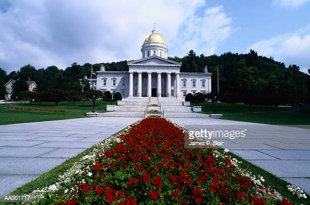 state capitol at montpelier, vermont - montpelier vermont stockfoto's en -beelden