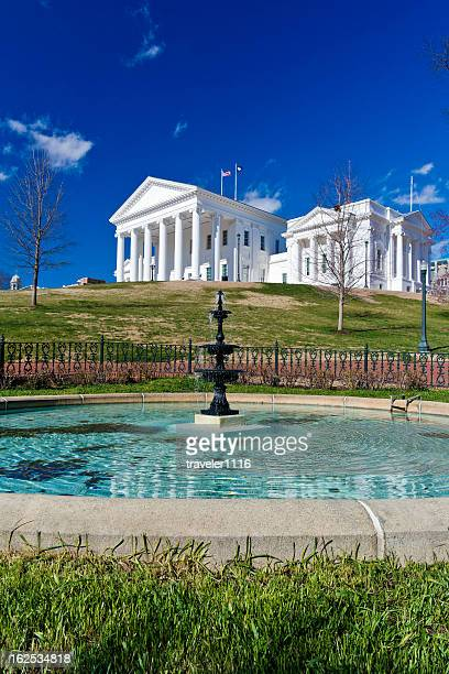 state capitol building in richmond, virginia - virginia state capitol stock pictures, royalty-free photos & images