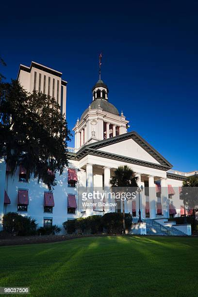 state capitol buildings, morning - tallahassee stock pictures, royalty-free photos & images