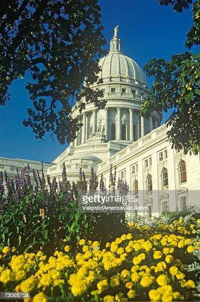 """""""state capitol of wisconsin, madison"""" - iowa_county,_wisconsin stock pictures, royalty-free photos & images"""