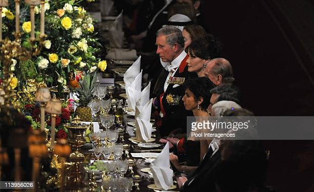 State Diner State visit of French President Nicolas Sarkozy to England Nicolas Sarkozy and Carla Bruni Sarkozy are greeted by HRH Queen Elisabeth II...