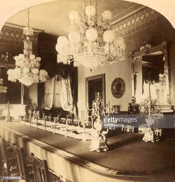 State Dining Room, President's Mansion, Washington, D.C., U.S.A.', circa 1900. Dining room in the official residence and workplace of the President...