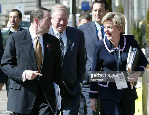State Governors Mike Huckabee of Arkansas Phil Bredesen of Tennessee Tim Pawlenty of Minnesota Jennifer Granholm of Michigan chat as they walk across...