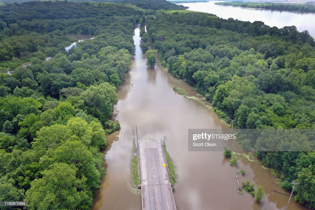 Midwest Rivers Reach Major Flood Stage At Historic Levels : News Photo