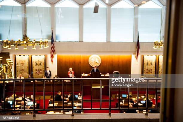 nc state legislature - legislación fotografías e imágenes de stock