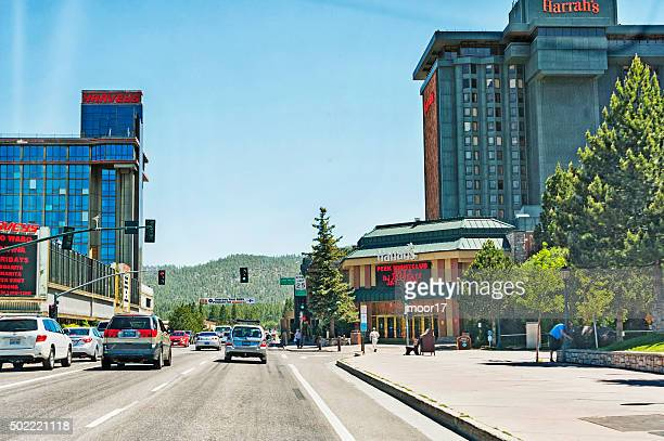lake tahoe カリフォルニア州ネヴァダ国境の建物や観光客 - サウスレイクタホ ストックフォトと画像