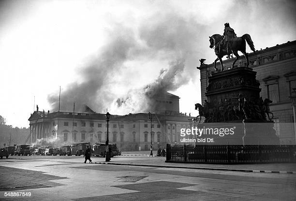 State Opera House Berlin the opera house at the street Unter den Linden on fire with the FriedrichMemorial in the foreground 1941 Photographer...
