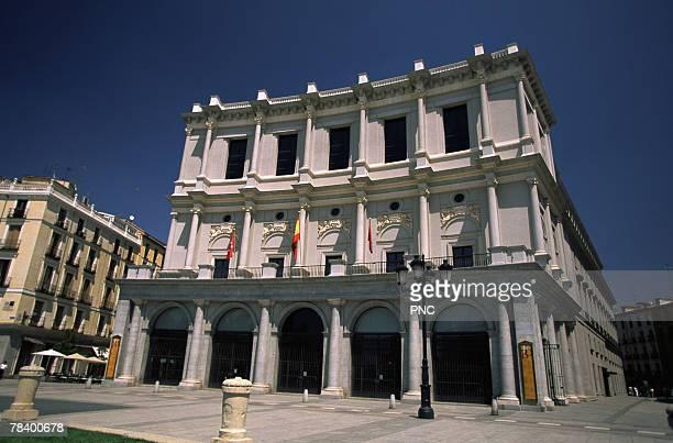 state opera house in madrid - teatro de ópera fotografías e imágenes de stock