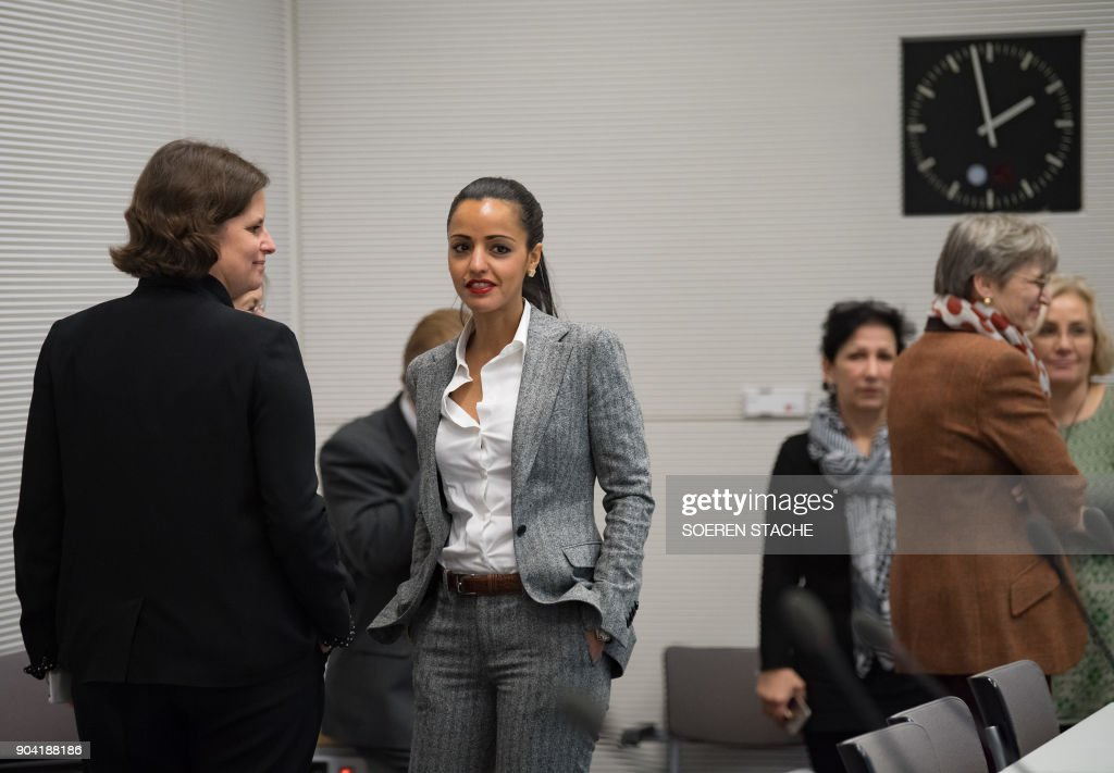 State Secretary for Federal Affairs in the state government of Berlin's mayor, Sawsan Chebli arrives for a social democratic SPD party's parliamentary group meeting on January 12, 2018 at the Reichstag parliament building in Berlin, after German chancellor, her Christian Democrats, her Bavarian allies the CSU and the SPD hammered out a 28-page paper that will form the basis for the talks ahead. / AFP PHOTO / dpa / Soeren Stache / Germany OUT