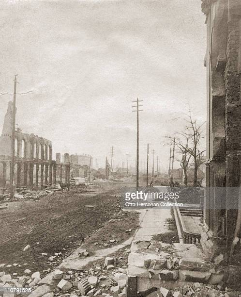 State Street in Chicago after the Great Chicago Fire 1871
